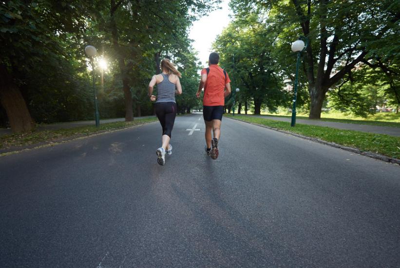 """坚持""""慢跑""""的人,1年之后会有什么变化?有好有坏,你中了哪种"""