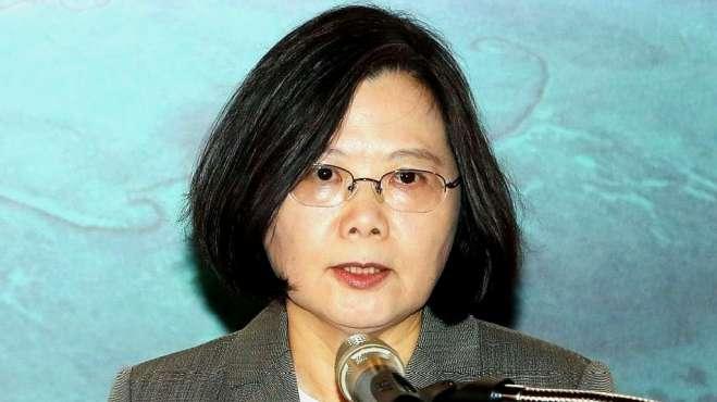 蔡英文对民众喊话被打脸!台网友一边倒呛声:多一天台湾就完蛋