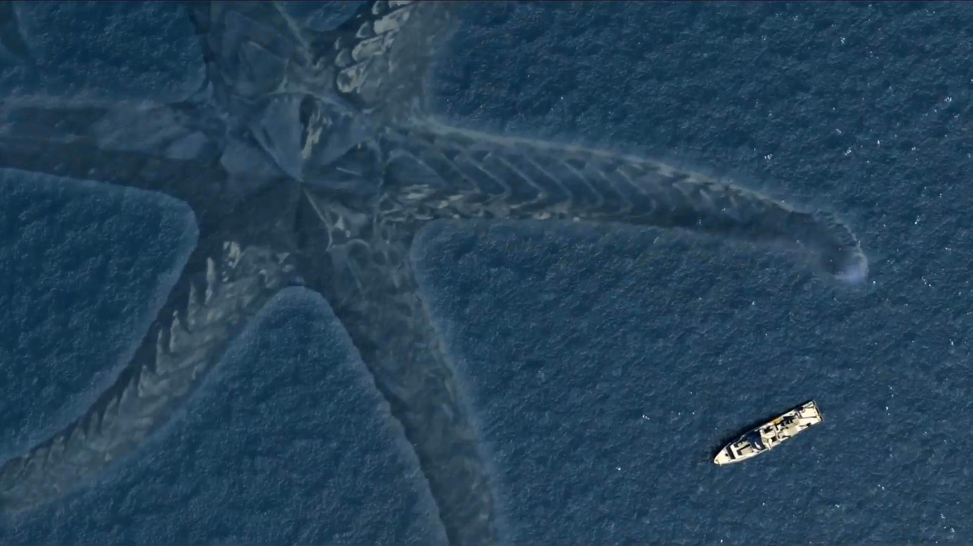 2019最新劲爆怪兽电影 科学家在海底发现海怪 美军对其展开攻击