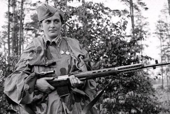 """帕夫利琴科:苏联""""死亡夫人"""",亲手狙杀300余名法西斯-"""