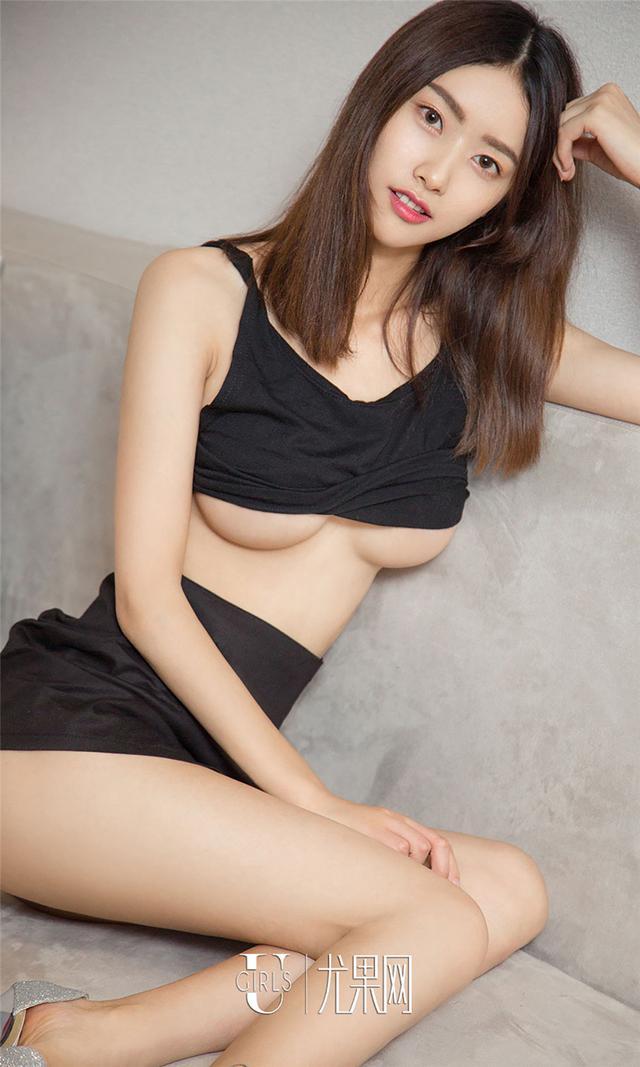 [尤果网] 酥胸撩人销魂女方子萱写真组图 第774期