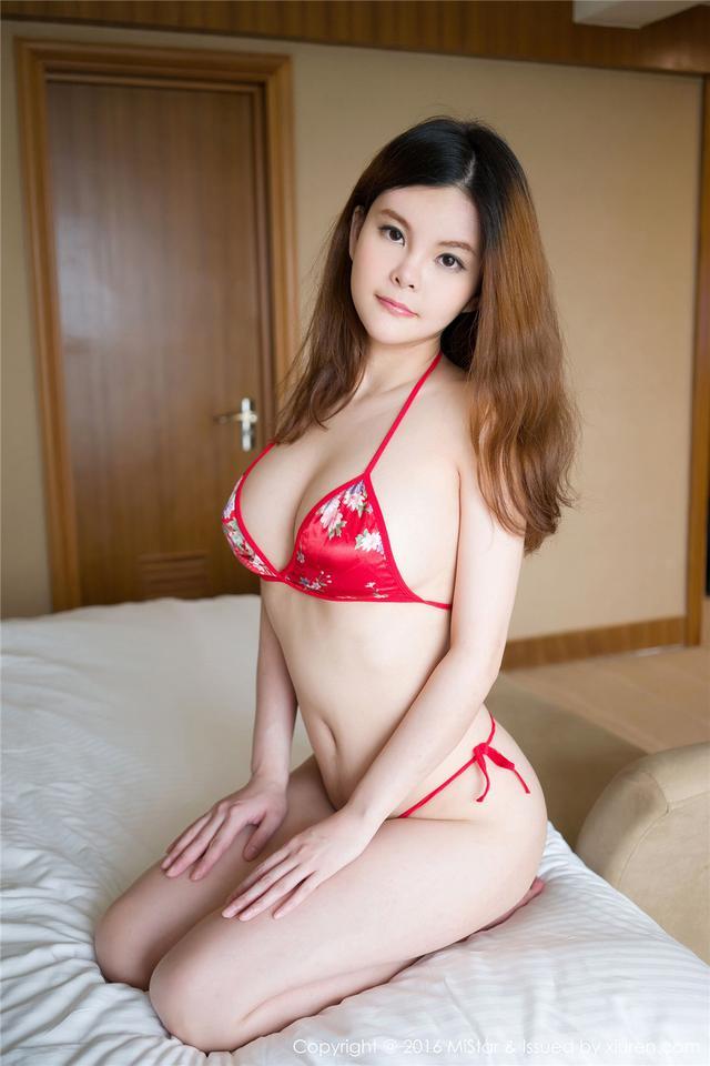 [魅妍社] 性感美乳尤物Olivia童安琪最美的丁字裤美臀诱