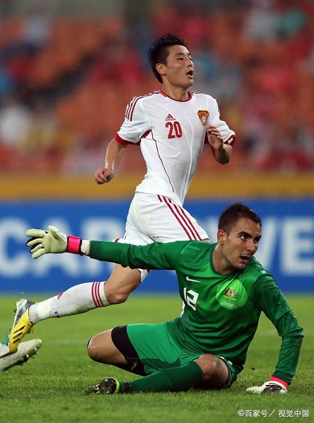 武磊替补出场征服新教练,巴西国脚驰援助