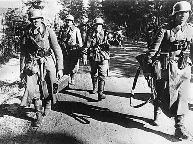"""二战中的""""德国警察""""权力有多大?不但抓人还自己审判量刑-"""