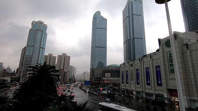 实拍上海徐汇区街道,很发达的一个地方,不愧是一线城市