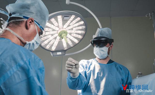 手术可视化辅助工具SurgicalAR平台获美国FDA批准 AR资讯