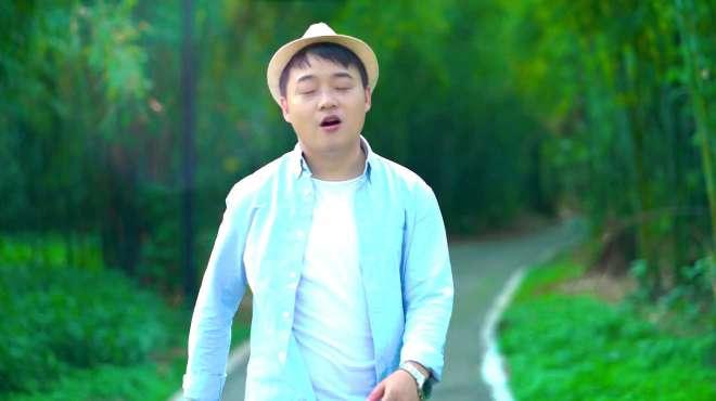 吴欢演唱《春暖花开》快让自己再美丽一些,让世界因你更可爱