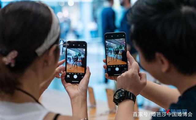 传苹果将推三摄像头iPhone,为AR头显预演 AR资讯 第3张