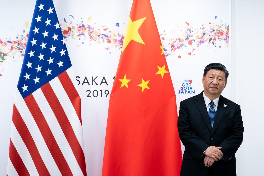 """中国国家主席习近平出席去年在日本大阪举行的二十国集团峰会。特朗普总统本周说,他""""将永远认为""""中国的领导人""""是最好的""""。"""