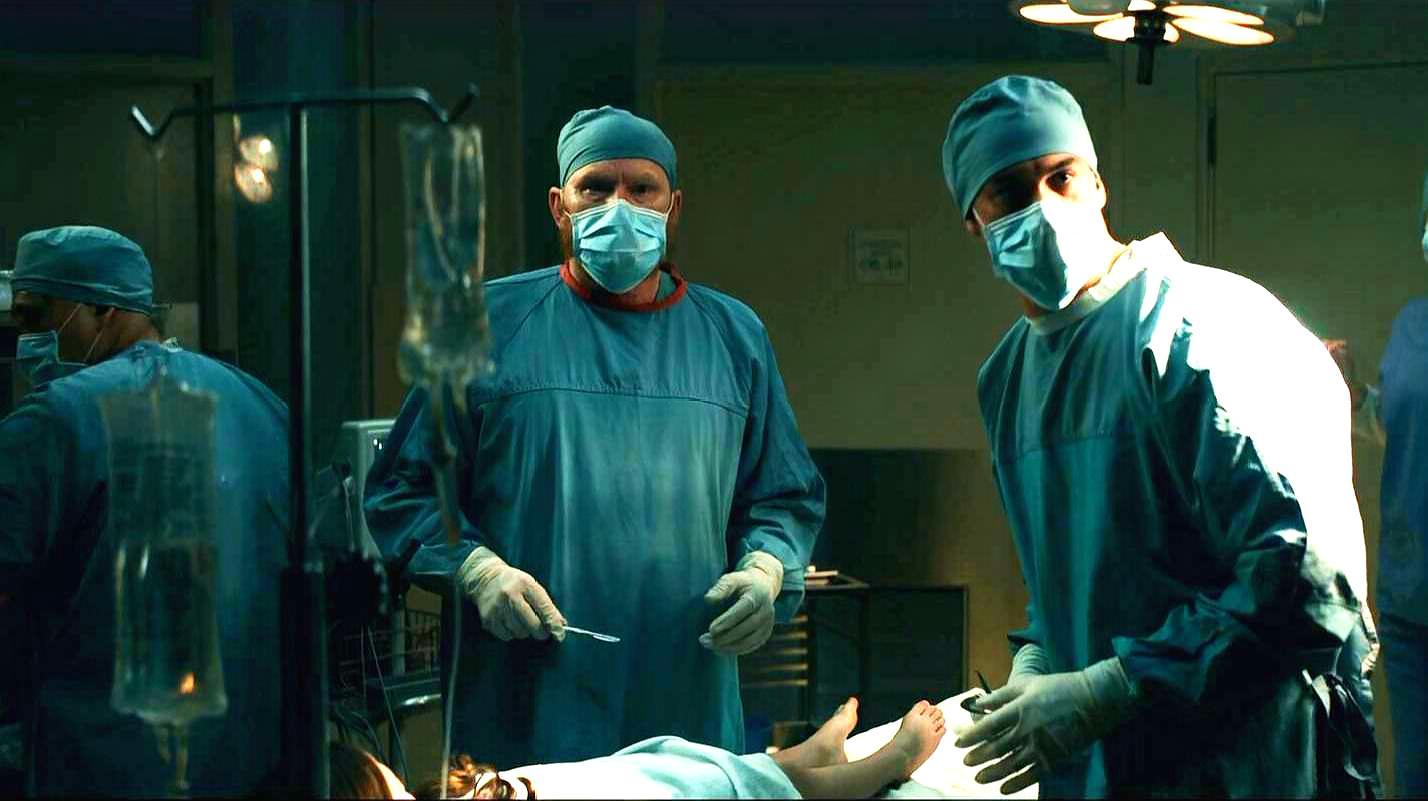 最新悬疑电影 男子的妻女在医院离奇失踪 接下来的事让人瞠目结舌