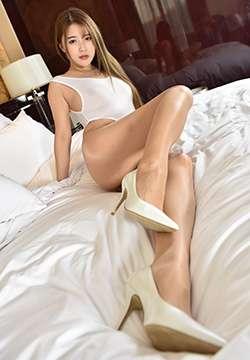 [美腿宝贝] 性感美腿模特若兮油亮肉丝高叉泳衣写真