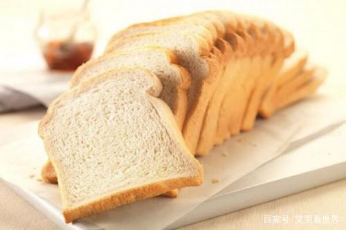 教你做非常简单的法式吐司培根面包