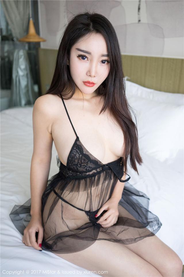 [魅妍社] 性感丰满的女人歆颜巨乳肥臀大胆写真 VOL.16