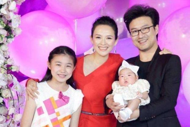 参观章子怡和汪峰的家,全屋墙面都是刮白,一家人生活很幸福