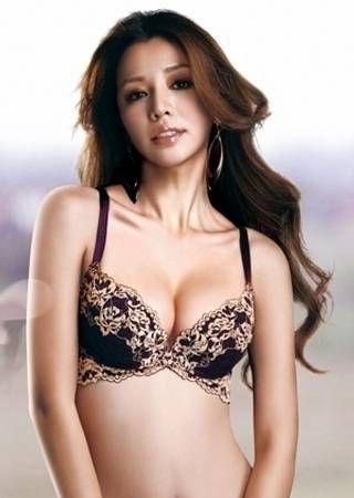 台湾 性感女星 李毓芬 蕾丝内衣 美乳诱惑壁纸图片