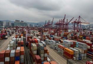 中国经济复苏之困:制造业重启,但消费者仍捂紧钱包
