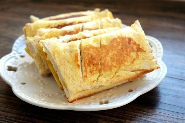 一个苹果一包吐司,就能做出美味的苹果派,方法简单,孩子最爱吃