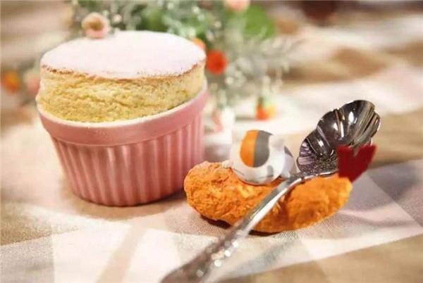 日本有雪媚娘,法国有舒芙蕾,意大利有泡芙,中国有什么知名甜点