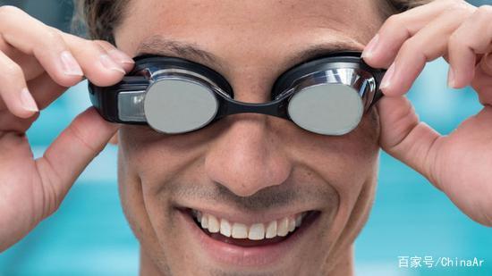 美国一家公司宣布 将推出全球首款水下AR眼镜
