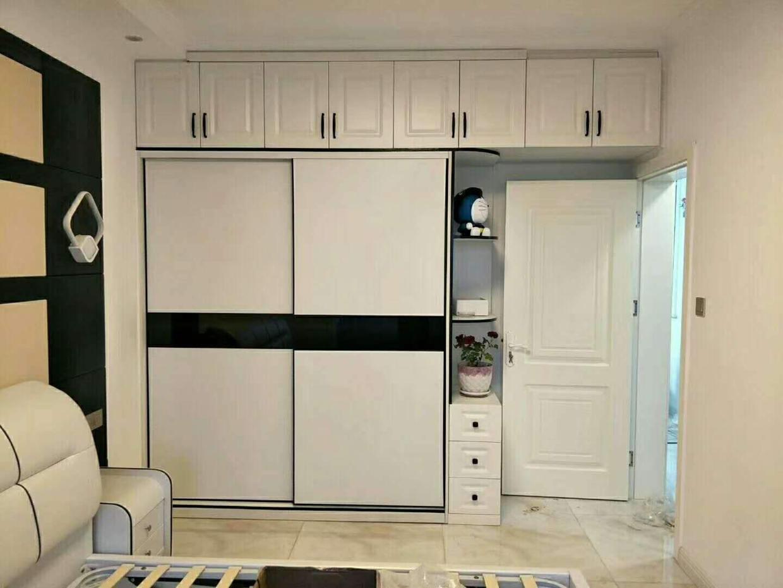 新房装修,家具是木工打还是全屋定制?听老师傅一说,不再纠结了