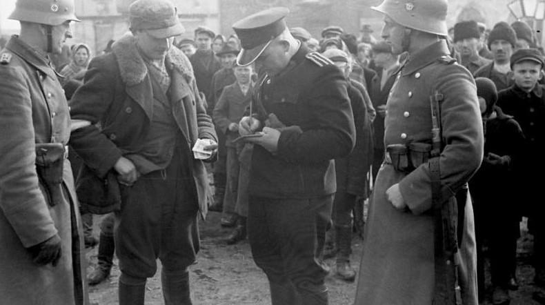 谎言下的所谓和谐,一组二战德国警察在波兰占领区老照片