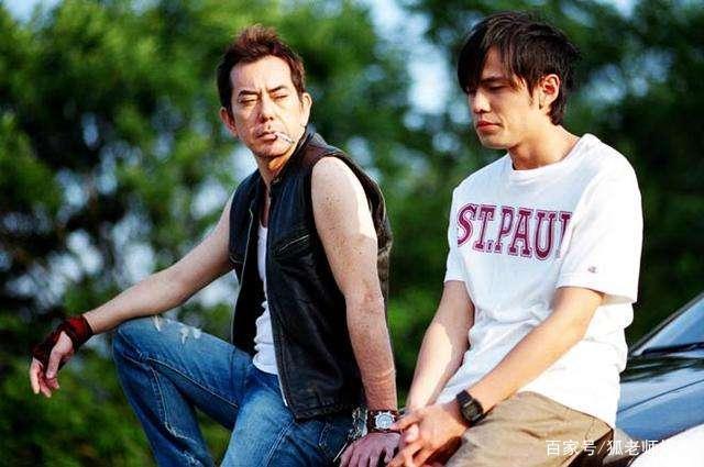 香港演员黄秋生公开质疑钟南山教授,网友:不配做个中国人!