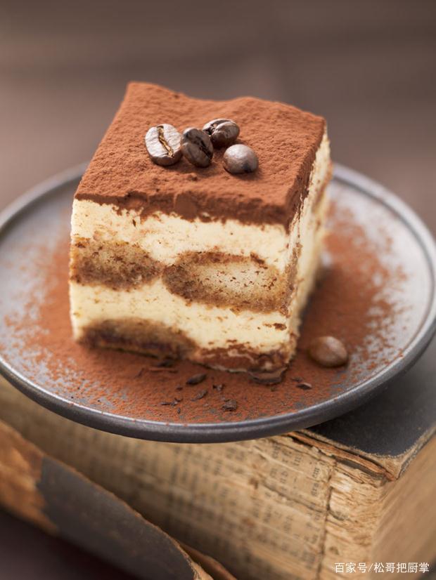 嫩滑爽口的提拉米苏冰淇淋蛋糕,你真的不想来一口?