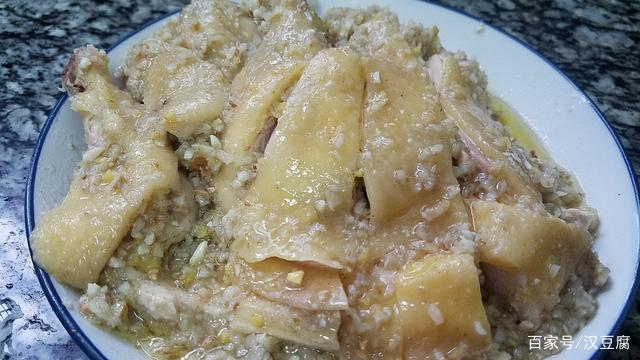 鸡肉这样做香喷喷的,学会这一道广东沙姜鸡,又香又美味