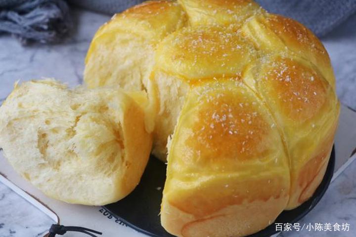 教你在家做面包,不用烤箱不用电饭煲,简单一做,香甜暄软又拉丝