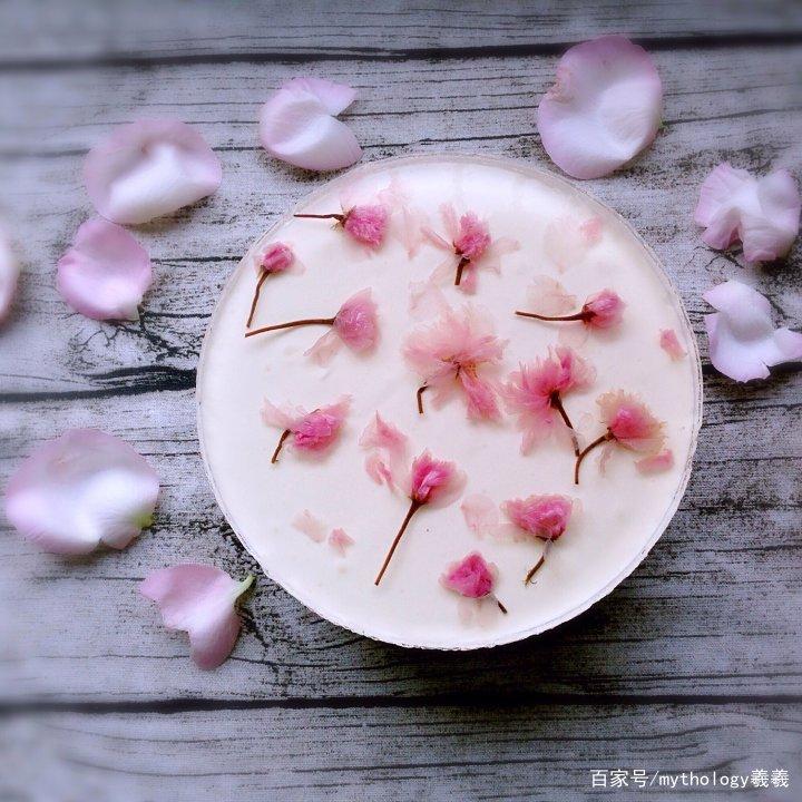 樱花酸奶慕斯蛋糕(免烤版)