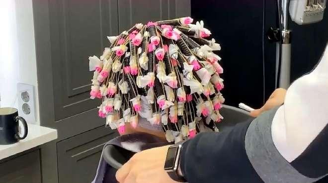 """这才叫网红""""羊毛卷""""烫发,慵懒有质感,你那只是把头发烫爆了"""