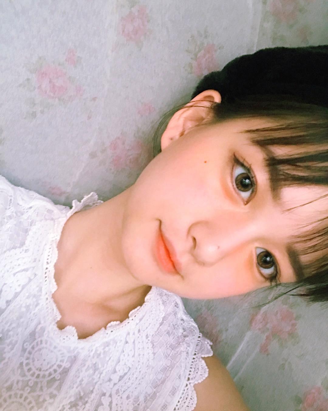 眼睛比赵薇还大,出生上海的她凭美貌引起热议,别人的18岁究竟什么来头?