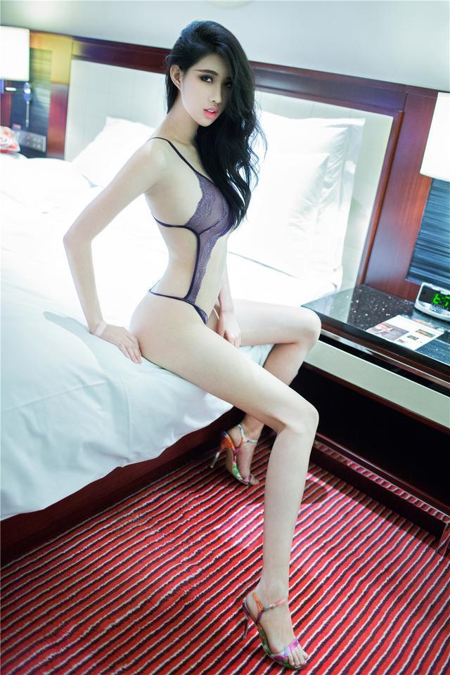 推女郎 奢侈高腰丁字裤女哈尼宝宝室内性感长腿诱惑
