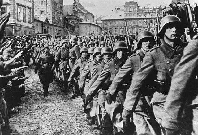 """二战德国配给制:没有这张纸,休想合法""""买""""到食物-"""