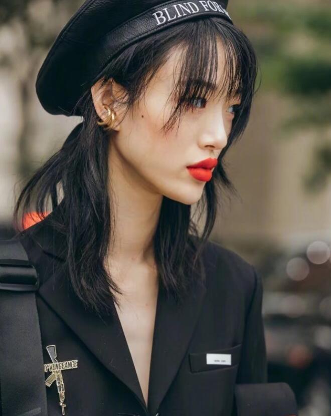 """赢过刘雯的高级脸,瘦成""""火柴人"""",却是时尚圈最爱的亚洲面孔?"""