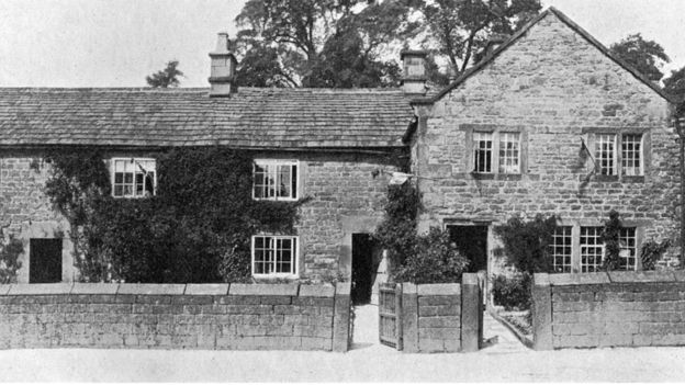 当年英国德比郡伊姆村里的一所房子
