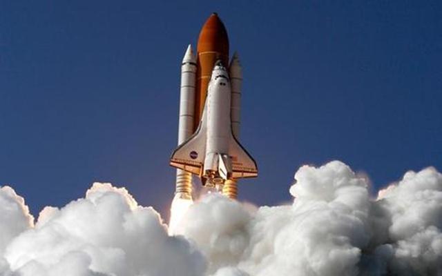 中国为何没有航天飞机?美国斥资两千亿,14名航天精英送了命