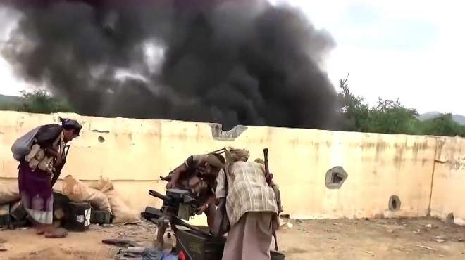 无人机远程奔袭,沙特遭遇最严重袭击,最大炼油厂猛烈爆炸起火