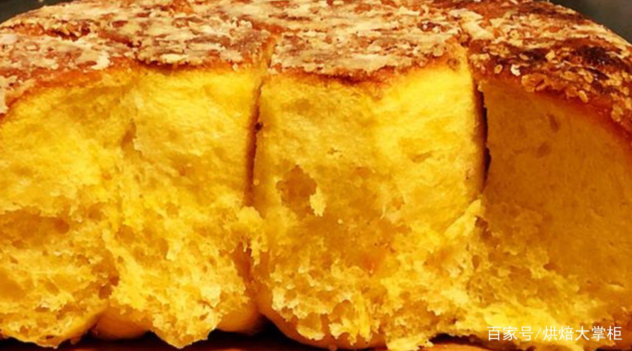 《简单几步用电饭锅做的红薯小面包,比蛋糕还好吃》