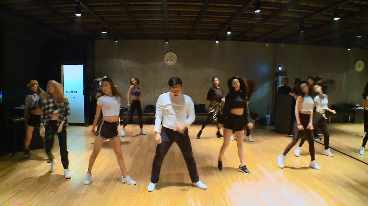 鸟叔及舞蹈团队后台排练,不愧是国际巨星,太完美了