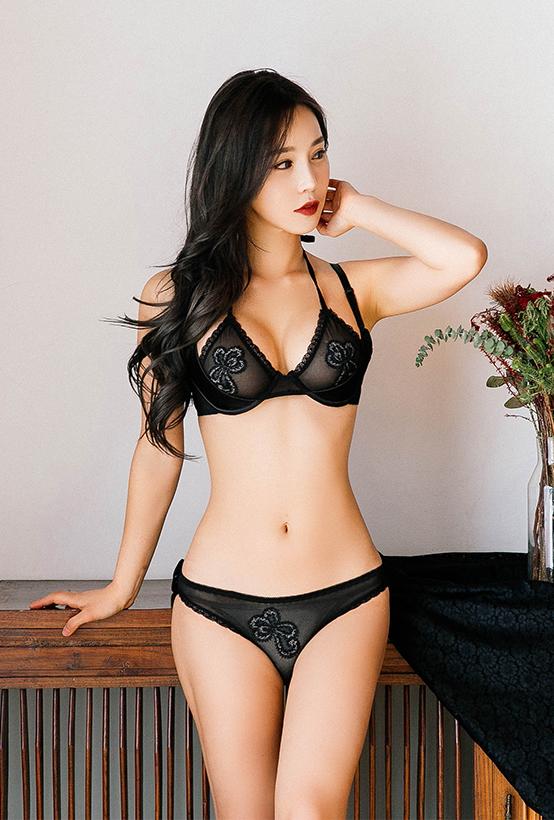 韩国车模 李智娜内衣拍摄 韩国车模李智娜美照乐多美女网整理第