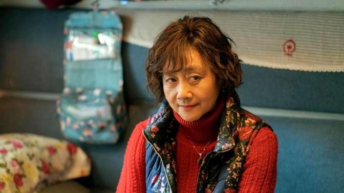 27岁黄梅莹当演员,40岁演《渴望》成名,70岁拍《囧妈》爆红