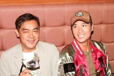 两人同为金马影帝,又是好兄弟,吴镇宇成人生赢家,他却至今无子