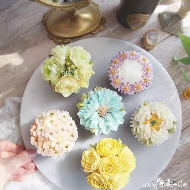 蛋糕花艺—韩式裱花这样搭配最好看!