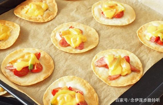 饺子皮还在包饺子吗?不如换种做法,教你做饺子皮披萨
