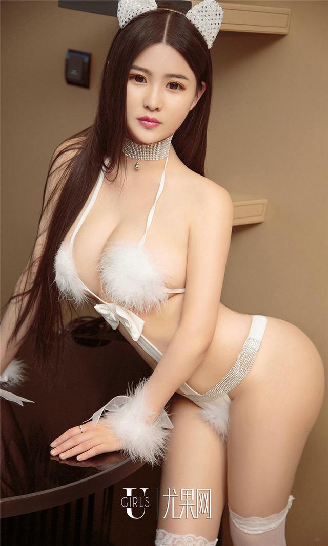 [尤果网] 翘臀美女官蔷薇曲线撩人丁字裤诱惑 第868期