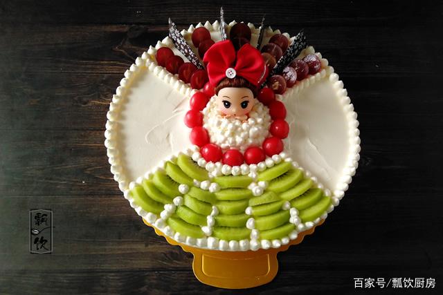 幼儿园的侄女生日,抬举姑姑给做生日蛋糕,结果受全班小朋友欢迎