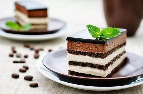 原来,黑森林蛋糕的主角不是巧克力——关于黑森林的甜蜜真相