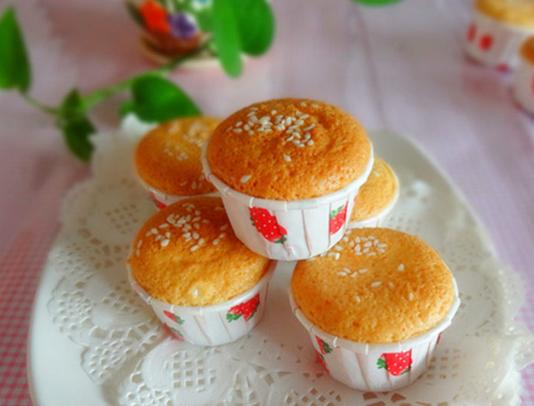 正宗无水蜂蜜蛋糕在家做,用料做法皆简单,柔软香甜老少皆宜