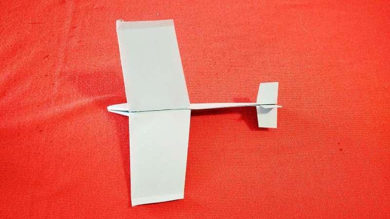 飞机怎么折飞一百米_折纸飞机视频教程,如何折飞行超级平稳的纸飞机,折纸飞机 ...